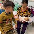 Cậu bé Sơn La đạp xe không phanh 100 km xuống Hà Nội thăm em ốm